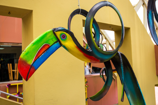 Toucan made from recycled tires