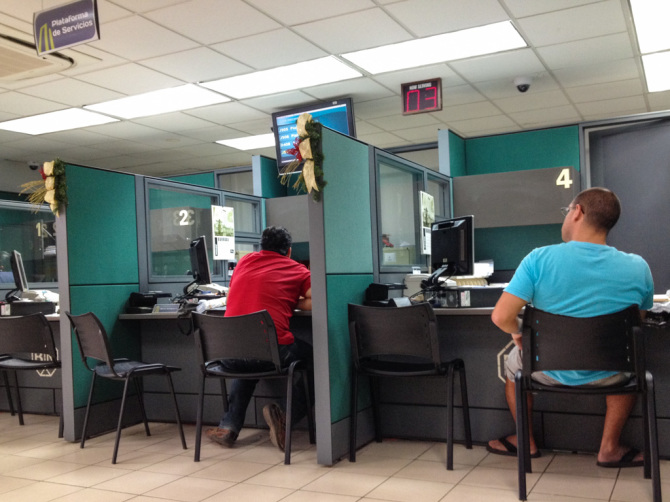 Waiting in Banco Nactional in Costa Rica