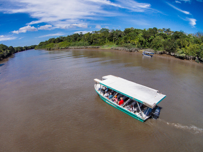Tour boat on river in Palo Verde National Park