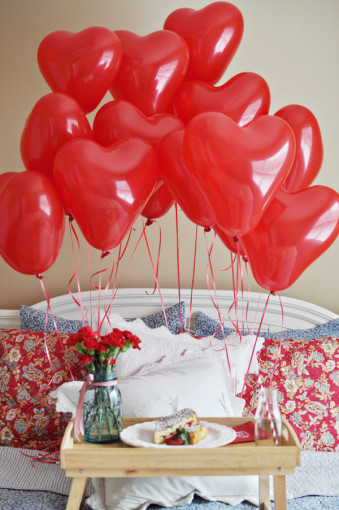 Valentines Day Balloons while Traveling