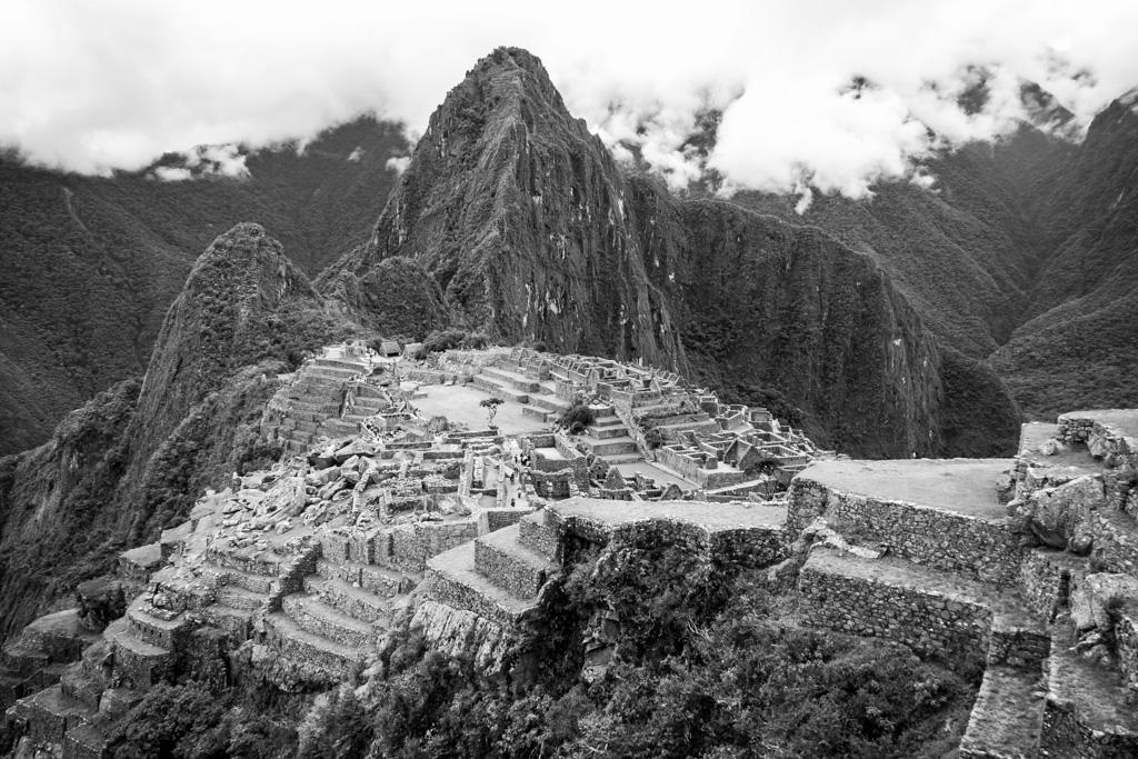 Machu Picchu BW