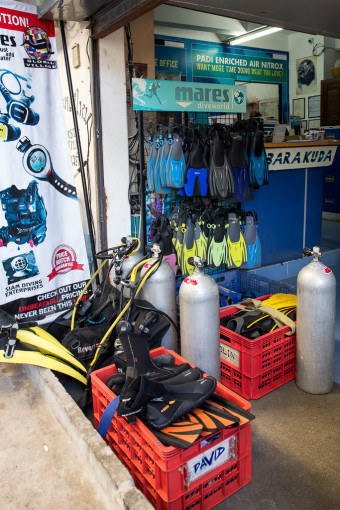 Barakuda Dive Shop Equipment